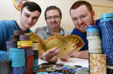UK Family Of Four Quit Their Jobs And Turn To Poker For A Living