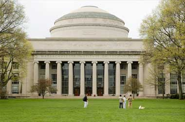 MIT Offers Free Online Poker Course To Improve Poker Strategy