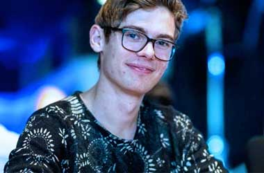 Fedor Holz Buys A Minority Stake in Envy Gaming and eSports