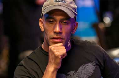 Bill Perkins Gives PokerStars Championship Bahamas Packages To Fans