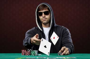 5 Tips to Becoming a Better Online Poker Player